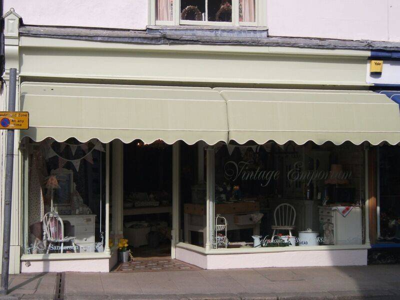 Shop front canopy blind
